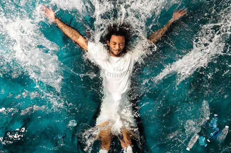 Adidas e seus produtos feitos com plástico dos oceanos
