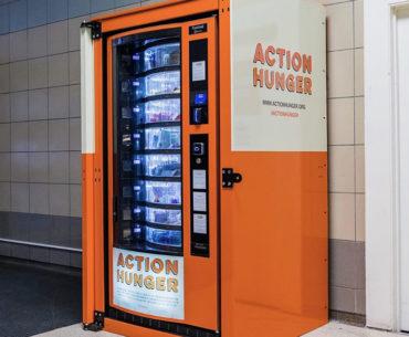 Moradores de rua têm acesso a máquinas de conveniência em Londres
