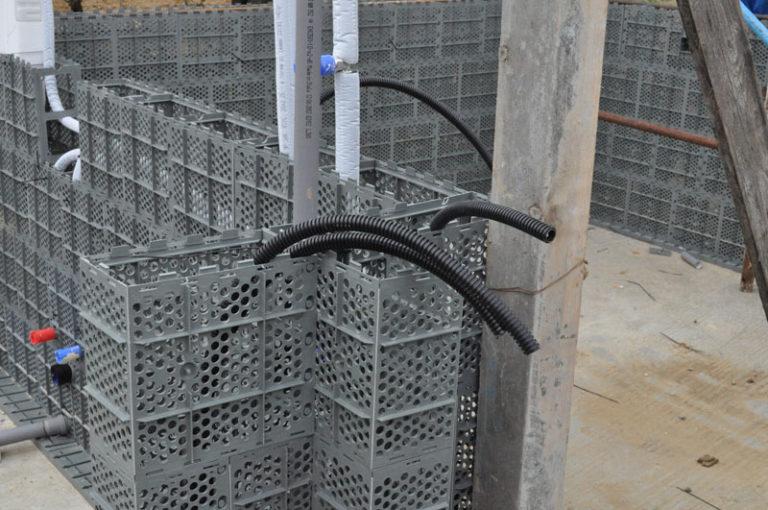 Tecnologia que transforma plástico em tijolos chega ao Brasil