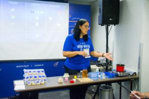 Aprenda a fazer vela ecológica usando óleo reciclado