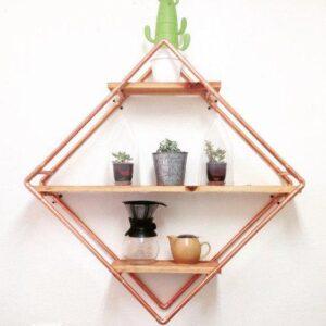 Dica sustentável: saiba como redecorar a casa fazendo uma estante de parede